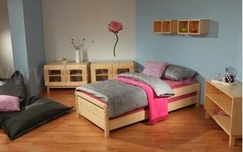 Dřevěná postel Konny